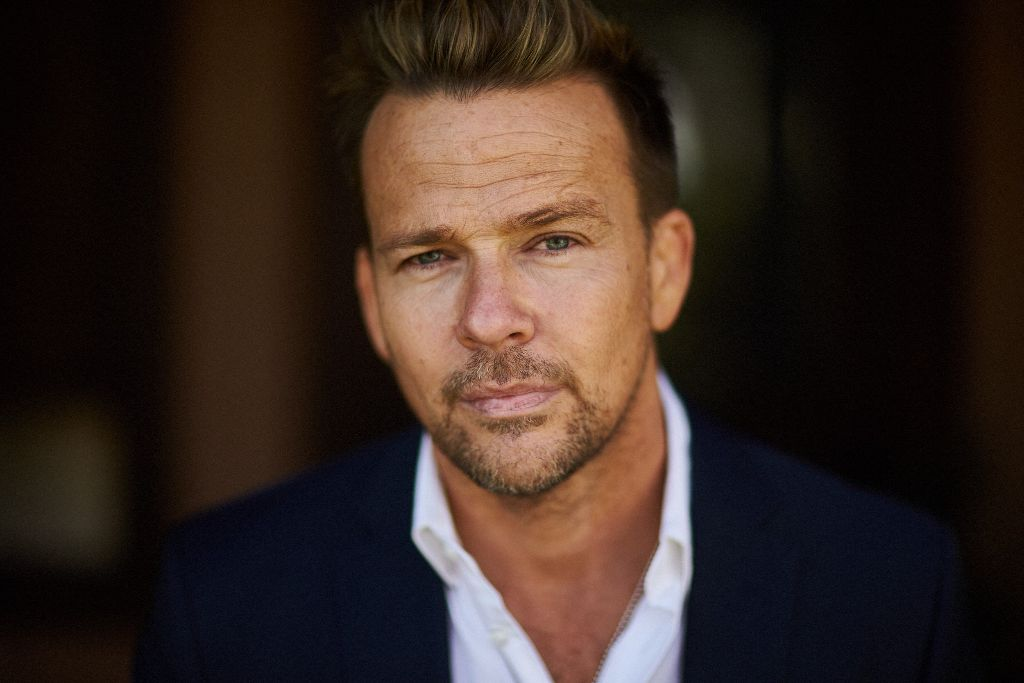 Sean Patrick Flanery_author photo